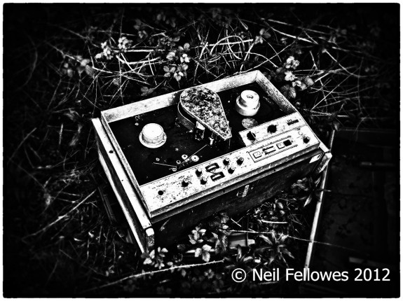 Neil Fellowes-BBC Tatsfield Broadcast Monitoring Station-found0bjects-derelict photography-hauntology-spectres-A Year In The Country-1