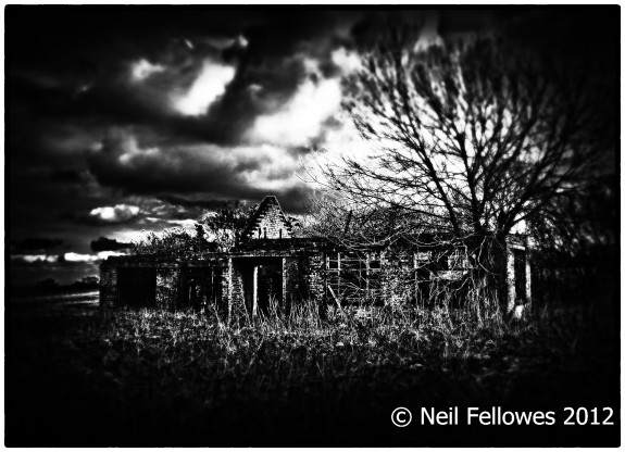 Neil Fellowes-BBC Tatsfield Broadcast Monitoring Station-found0bjects-derelict photography-hauntology-spectres-A Year In The Country-2
