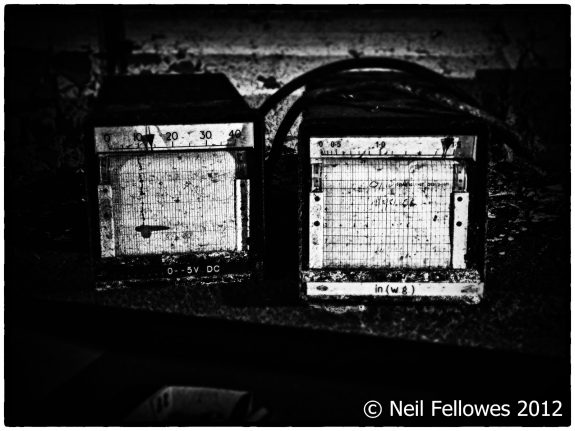 Neil Fellowes-BBC Tatsfield Broadcast Monitoring Station-found0bjects-derelict photography-hauntology-spectres-A Year In The Country-7