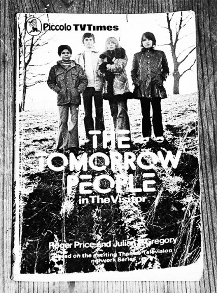 The Tomorrow People in The Visitor-paperback book-novel-1973-Piccolo TV Times-Roger Price and Julian Gregory-7