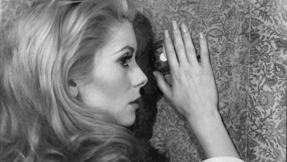 belle-de-jour-1967-004-catherine-deneuve-wallpaper-peephole