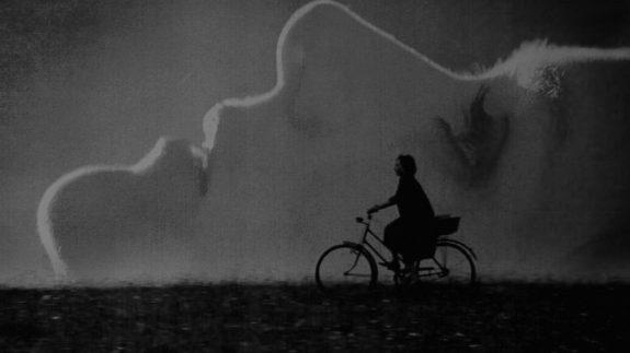 duke-of-burgundy-the-2014-004-sidse-babett-knudsen-chiara-danna-bicycyle-silhouette