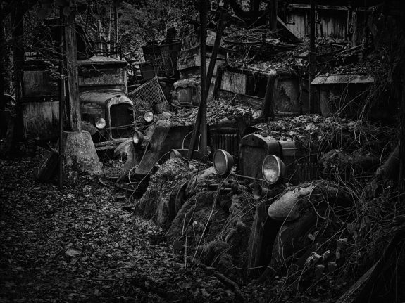 Dieter Klein-photographs of abandoned cars-1