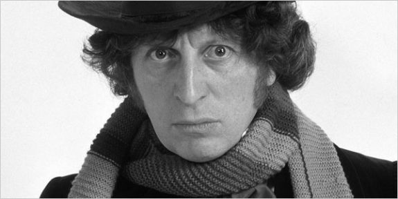 tom-baker-doctor-who-wearing scarf